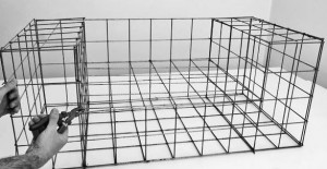 passend zum sommerwetter gartenbau leicht und selbst gemacht gabionengrill mit alpenkalkstein. Black Bedroom Furniture Sets. Home Design Ideas