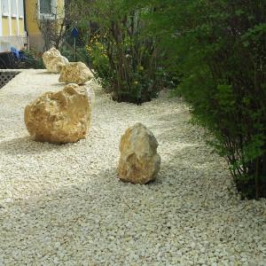 jura kalkstein der dinosaurier im gartenbau natursteinblog. Black Bedroom Furniture Sets. Home Design Ideas