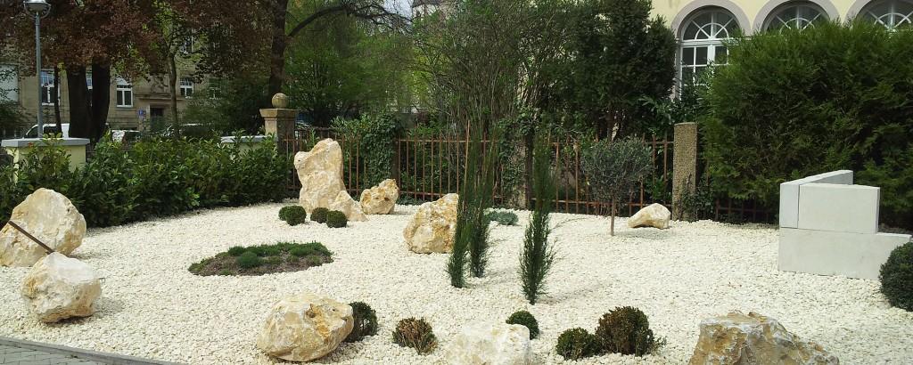Zierkiesbeet aus jurakalkstein einfach angelegt und for Garten pflegeleicht angelegt