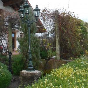 Muschelkalk Mauerstein Gartenlampe Antik