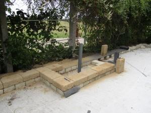 Aufbau Hochbeet mit Mauersteinen