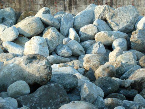 Gletscherfindlinge rund Steinbruch
